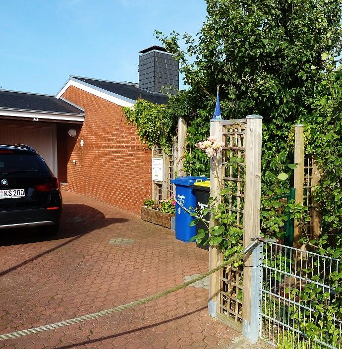 Zufahrt und Parkplatz Ferienhaus Neuharlingersiel